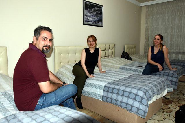 Van'daki otellerde yer kalmayınca misafirhaneler açıldı