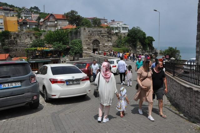 6 bin nüfuslu Amasra'ya 50 bin kişi geldi