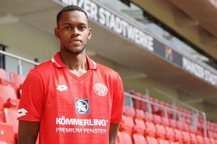 Edimilson Fernandes - West Ham United > Mainz 05 | BONSERVİS BEDELİ: 9 milyon Euro