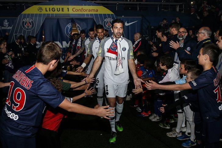 PSG'de Gianluigi Buffon ile yollar ayrıldı