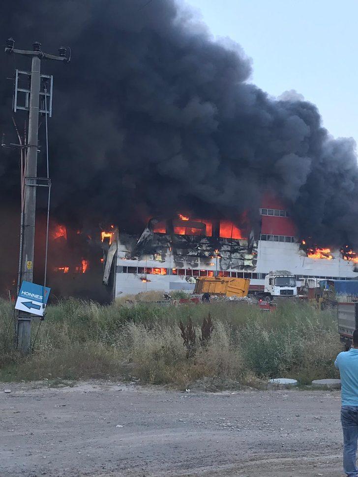 Çayırova fabrika yangını (1)