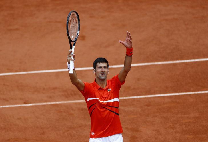 Novak Djokovic Roland Garros'ta yarı finale yükseldi