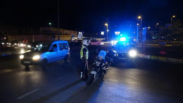 Akçay, araç girişlerine kapatıldı