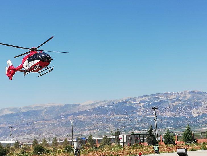 Rahatsızlanan kadın, ambulans helikopterle hastaneye ulaştırıldı