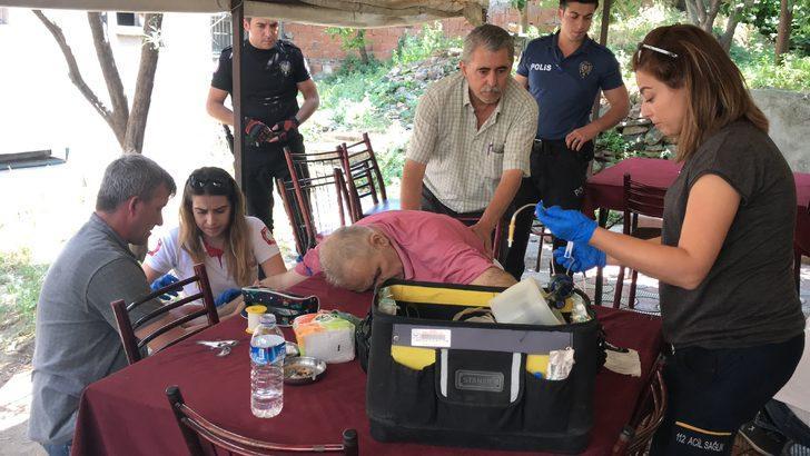 Bursa'da maganda dehşeti! Bir anda masaya yığıldı