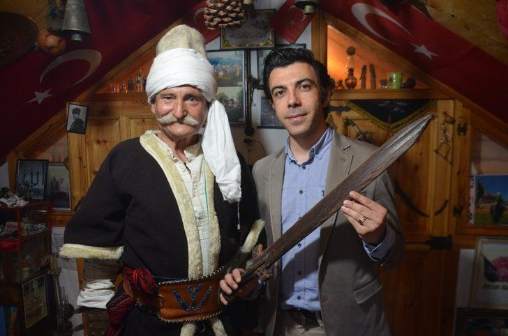 (Özel) Osmanlı'da taşınan tahta kılıcın sırrı ortaya çıktı