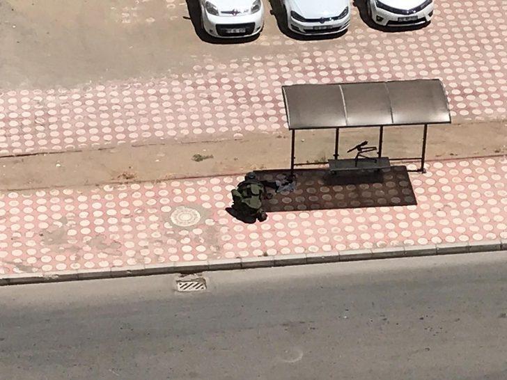 Otobüs durağına bırakılan şüpheli çanta fünye ile patlatıldı