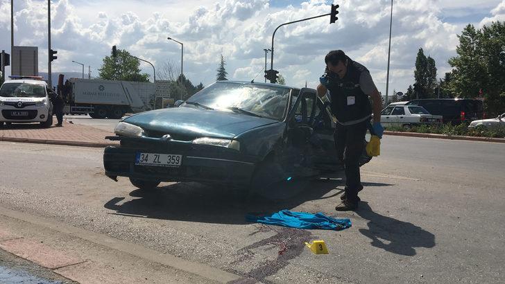 Konya'da otomobiller çarpıştı, 18 yaşındaki Behiye öldü