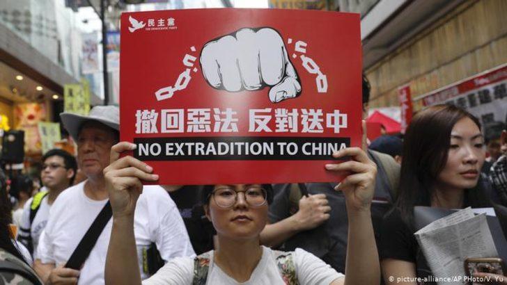 Hong Kong'da sınır dışı tasarısına protesto
