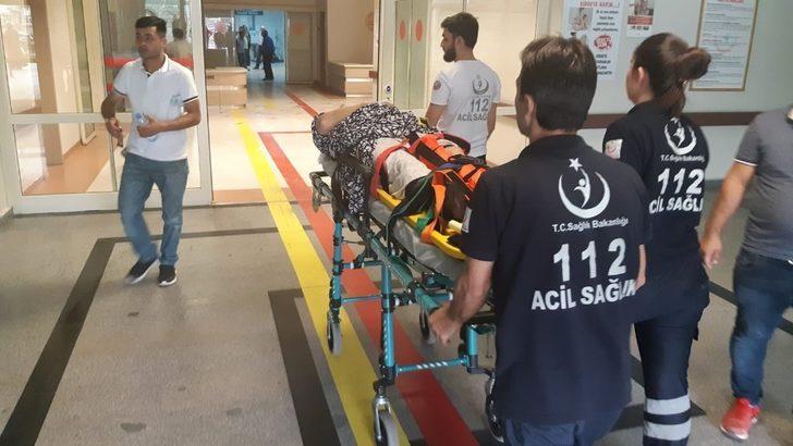 Siirt'te tarım aracı devrildi: 1'i ağır 4 yaralı