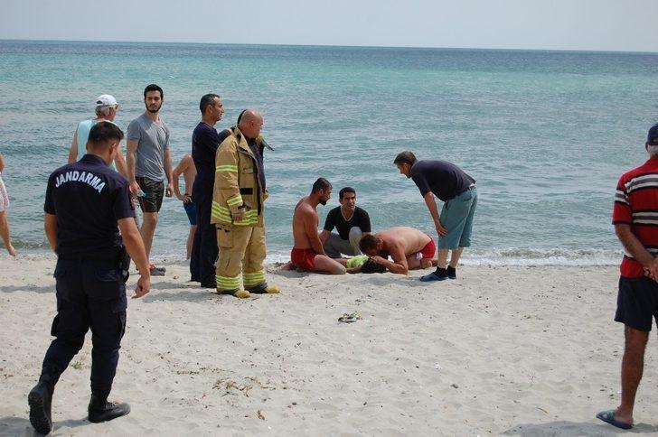 Silivri'de denize giren 10 yaşındaki çocuk boğulma tehlikesi geçirdi