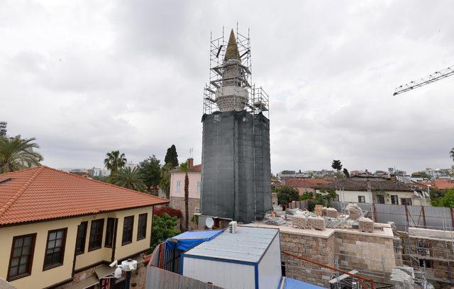 Muratpaşa'da 'Kesik Minare'nin külahı kaldırılsın' teklifi