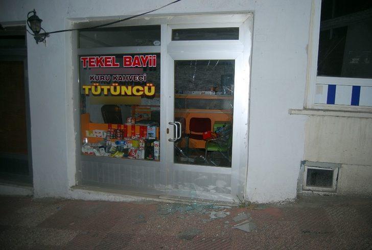 Tekirdağ'da iş yerinin camları kırıldı