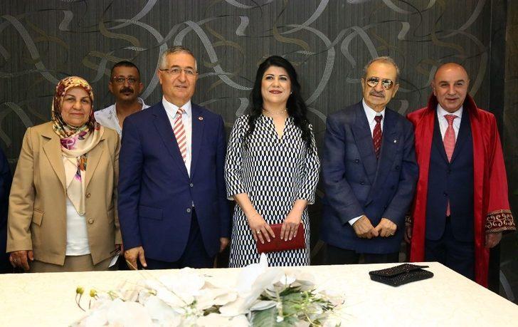 Özcan Yeniçeri'nin nikahını Keçiören Belediye Başkanı Turgut Altınok kıydı