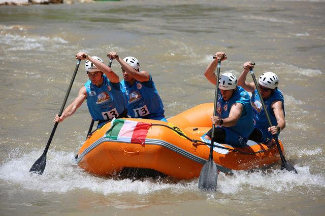 Tunceli'deki Dünya Rafting Şampiyonası'nda kıyasıya mücadele