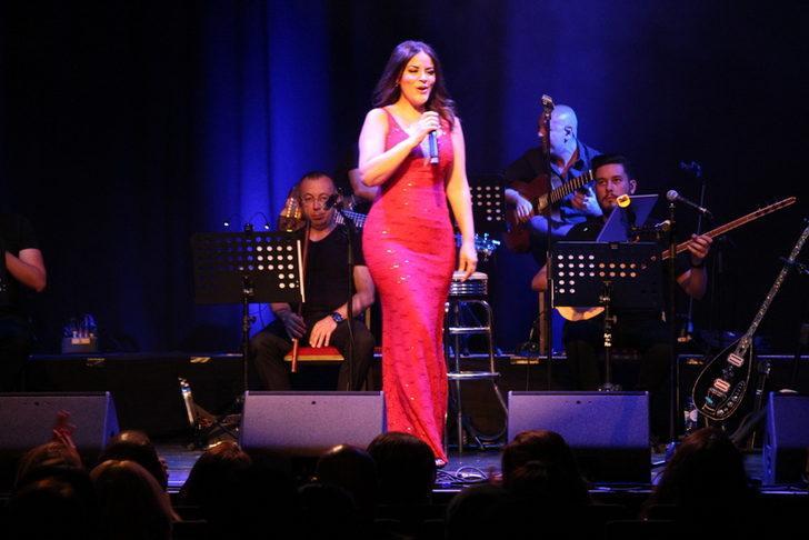 Zara'dan Amsterdam'da tarihi konser
