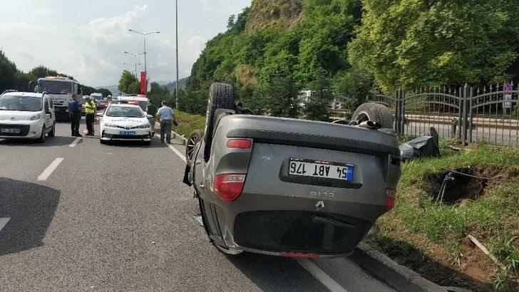 Cenaze dönüşü otomobil takla attı: 1 yaralı