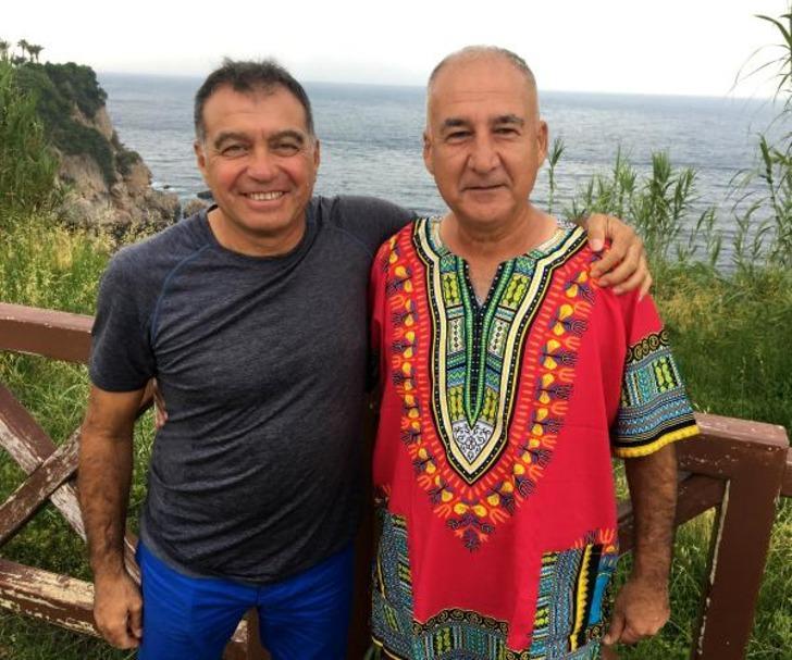 Antalyalı 2 teknik direktör, Afrika'da gönüllerin sultanı
