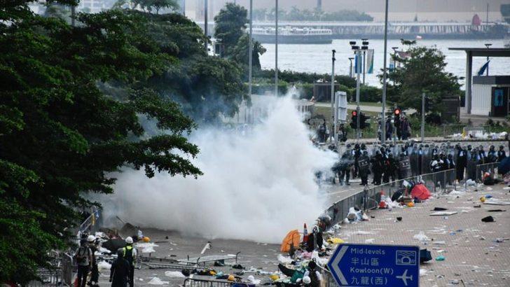 Hong Kong'ta Protestolar Devam Ediyor
