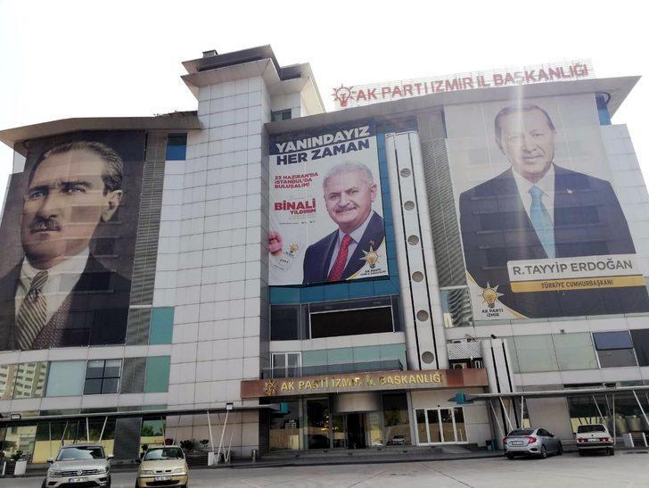 AK Parti'den Binali Yıldırım için 81 ile afiş pankart talimatı