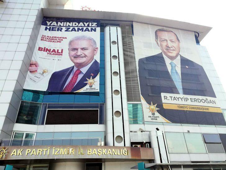 Binali Yıldırım için 81 kentte pankart ve afiş çalışması