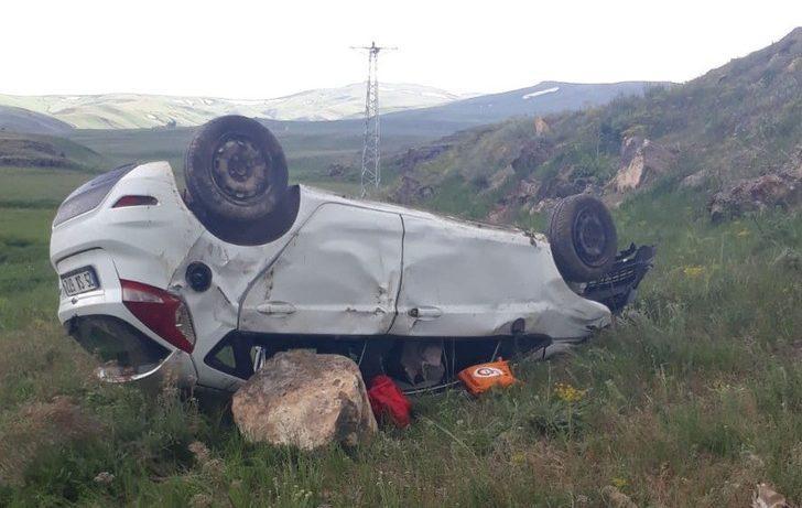Tekman'da otomobil takla attı: 2 ölü, 5 yaralı