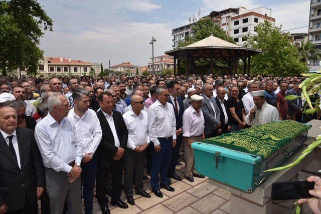 MHP eski Manisa İl Başkanı Ziya Elmalı, son yolculuğuna uğurlandı