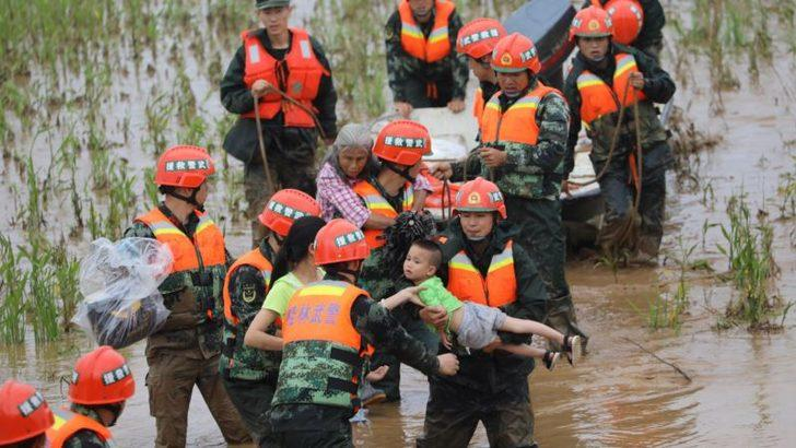 Çin'de Şiddetli Yağış 49 Can Aldı