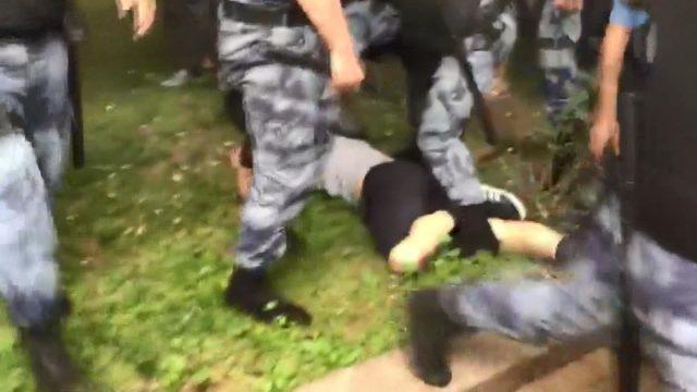 Rus gazeteci Golunov'a destek gösterisinde 400 eylemci gözaltına alındı