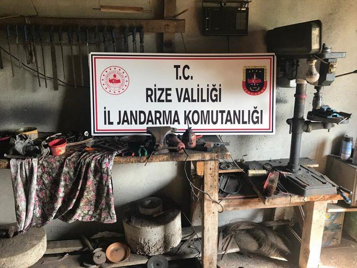 Rize'de ruhsatsız silah atölyelerine operasyon: 2 gözaltı