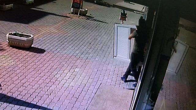 Kapı hırsızları yakalandı