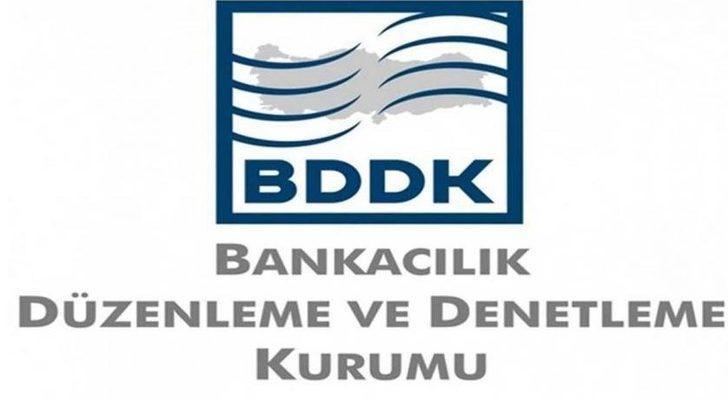 Bloomberg: Türkiye'de ekonomik istikrarı bozmaya çalışmakla suçlanan iki muhabirimiz hapis istemiyle yargılanacak