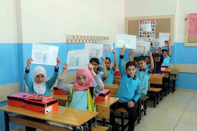 Gaziantep'te 590 bin öğrenci karne aldı