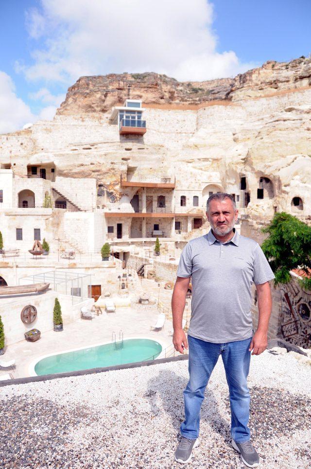 Kapadokya'da doğal kayalığa yapılan asansör, değiştirilecek