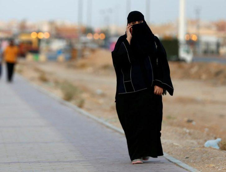 Ülkeden kaçan kadınları IMEI numarasıyla yakalıyorlar