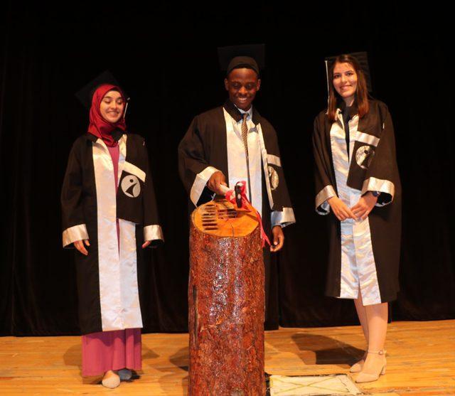Tanzanyalı öğrenci, İletişim Fakültesi birincilikle bitirdi