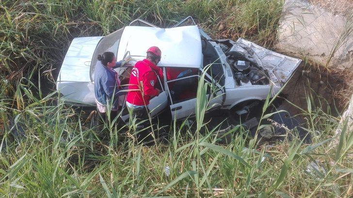 GÜNCELLEME - Yayalara çarpan otomobil şarampole devrildi: 1 ölü, 5 yaralı