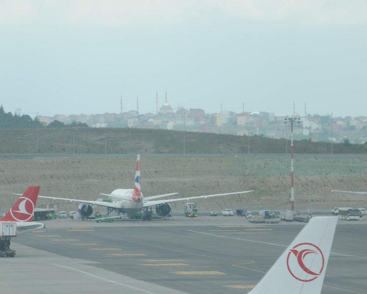 British Havayolları uçağı motor arızası nedeniyle İstanbul'a acil iniş yaptı