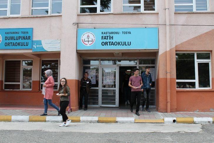 Tosya'da bin 26 öğrenci TYT sınavında ter döktü