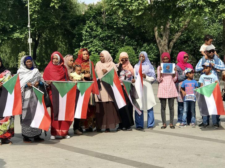 Sudanlılardan Saraçhane Parkı'nda basın açıklaması
