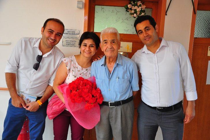 PTT'den huzurevine Babalar Günü ziyareti