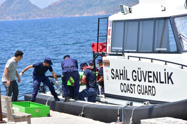 Bodrum'da kaçakları taşıyan tekne battı (5)