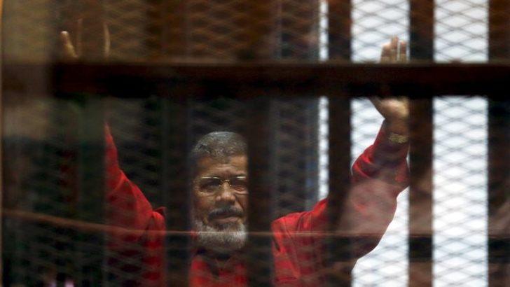 Muhammed Mursi Mahkemede Hayatını Kaybetti