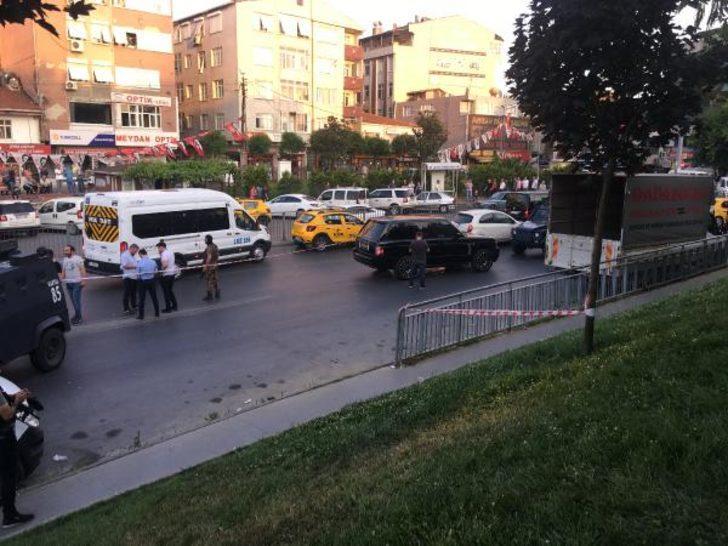 İstanbul Okmeydanı'nda lüks araca silahlı saldırı! Yaralılar var