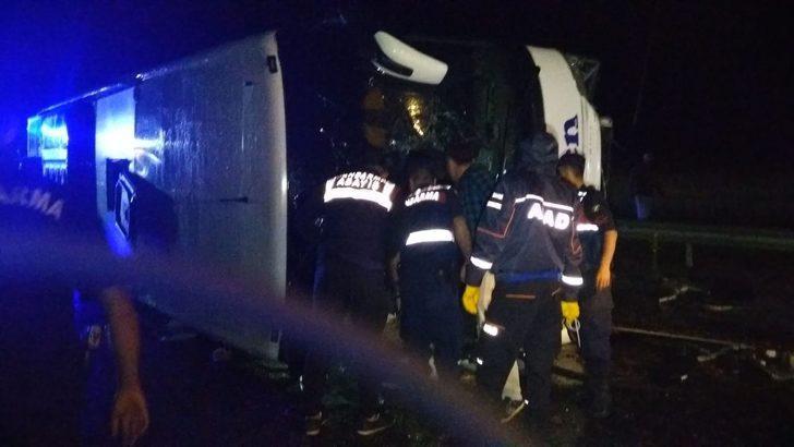 Yolcu otobüsü devrildi: 16 yaralı
