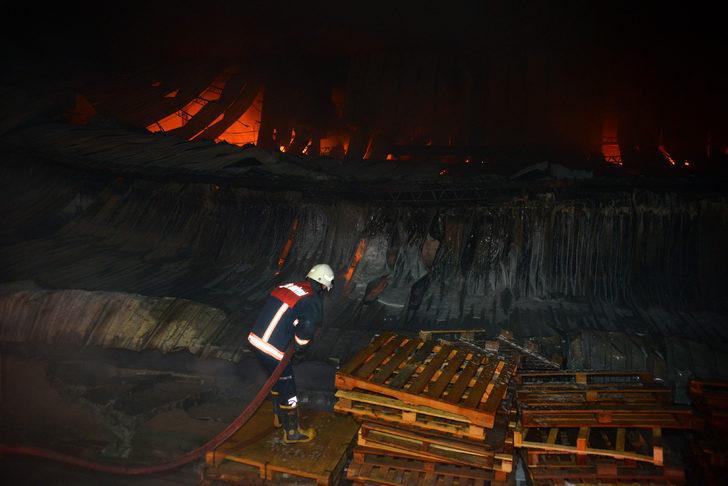 Tarsus'ta bisiklet ve motosiklet üretim fabrikasında yangını (2)