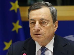 Draghi: Enflasyon hedefine ulaşılmazsa daha çok önlem alınabilir