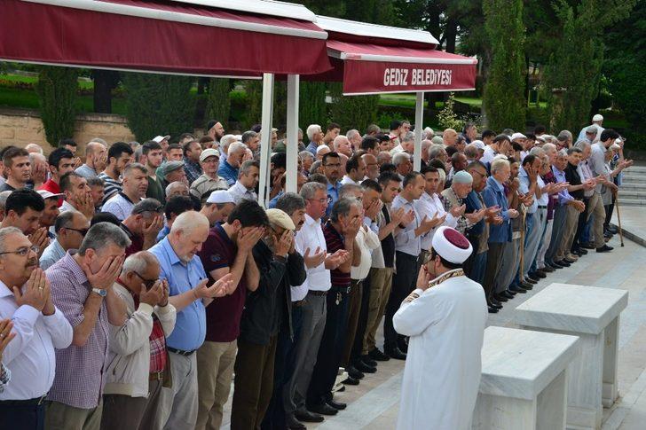 Gediz'de Mursi için gıyabi cenaze namazı