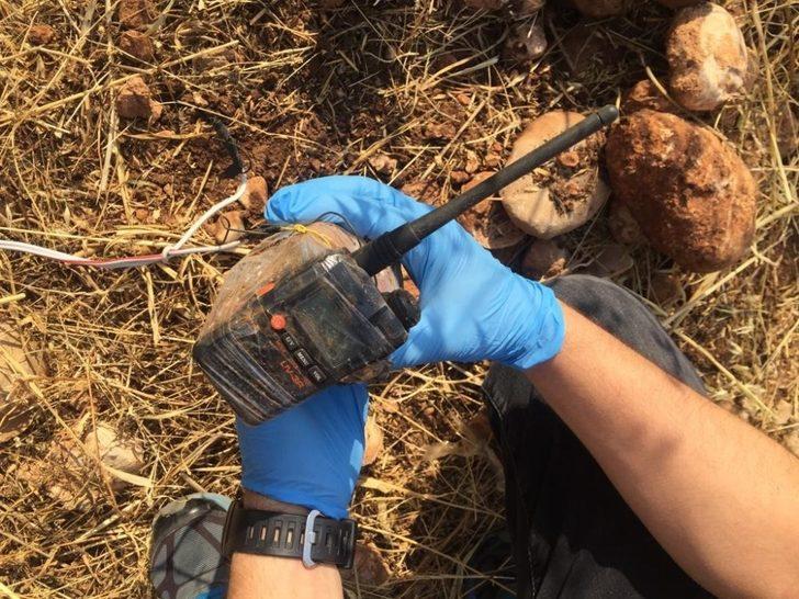 Teröristlerin yola tuzakladığı telsiz düzenekli bomba imha edildi