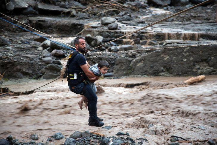 Araklı'da selin neden olduğu hasar, gün ağarınca ortaya çıktı (9)
